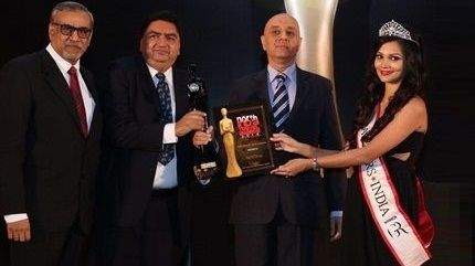 SafeMedTrip wins the Best Medical Travel Service Provider Award at India Travel Awards.